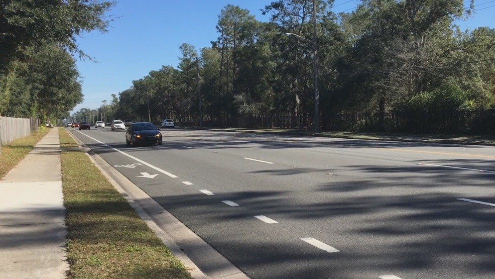 19-year-old Gainesville woman dies after she's hit by truck | WGFL