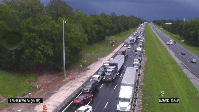 UPDATE: Traffic moving again on I-75 after tractor-trailer